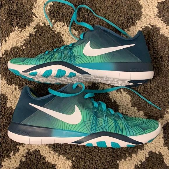 Nike Free Run TR6 NWT